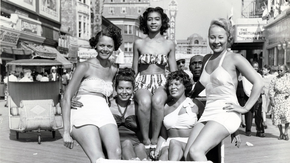 Five women on the boardwalk, Atlantic City, NJ